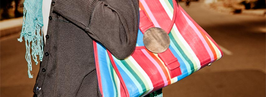 Whole Handbags And Purses To Meet Every Woman S Bag Carry Ing Needs Bags Living Offers Unique Fashionable For Women That Like Small